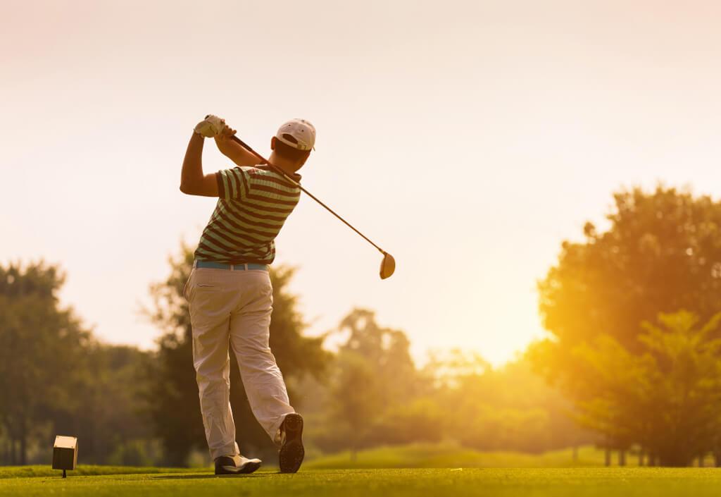 golf-at-sunset